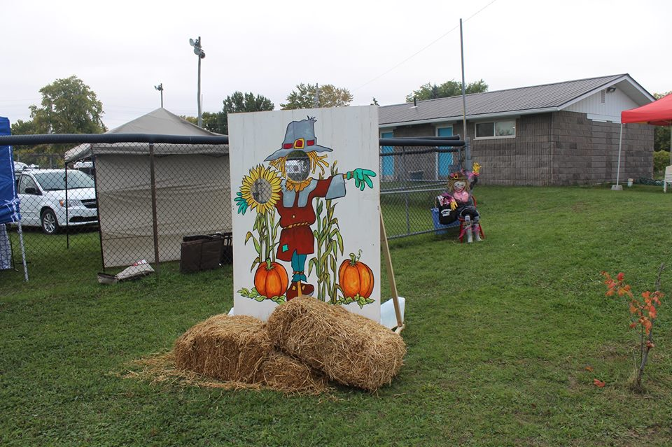 14463051 414337892023479 8415553408135641877 n - SCARECROW FESTIVAL: FIFTY SHADES OF HAY