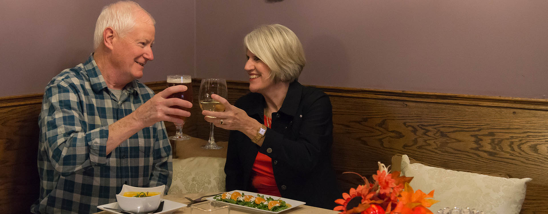 Dining Couple Banner Blog - Valentine Date Ideas