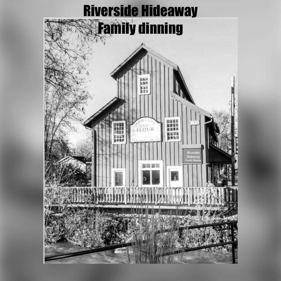 RIVERSIDE HIDEAWAY